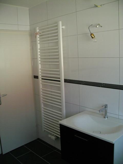 exklusive bade einrichtungen. Black Bedroom Furniture Sets. Home Design Ideas